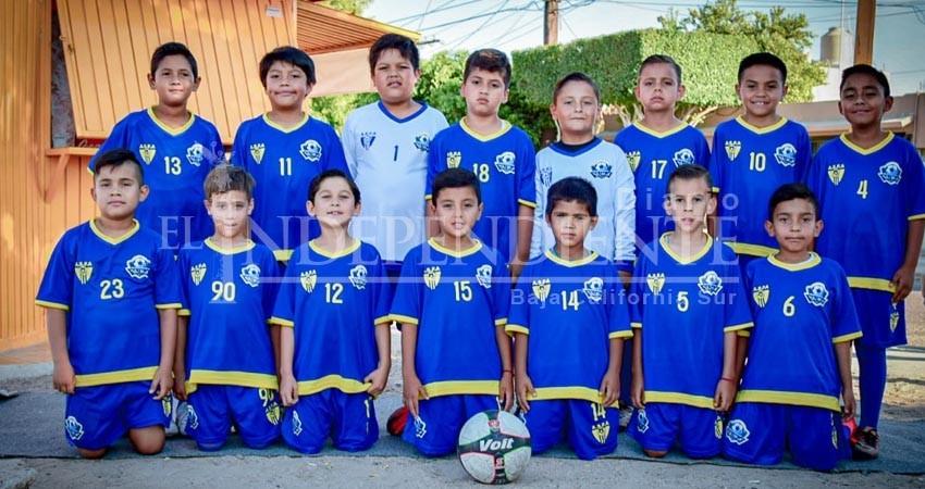 Viaja selección de fútbol de BCS  al nacional sub 8 en Nayarit