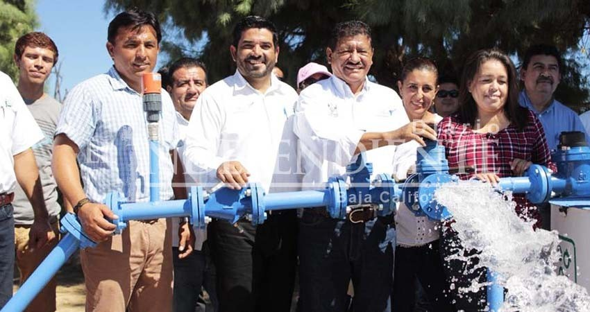 Entregó el ex alcalde panista Armando Martínez pozo de agua con arsénico a zonas marginadas