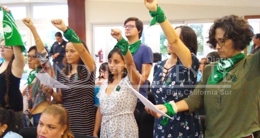 """Se manifiesta """"marea verde"""" contra la penalización del aborto en BCS"""