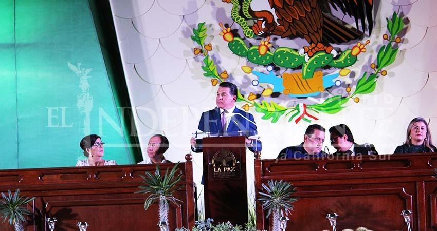 Ignora Rubén Muñoz quién patrocinó los gastos de su informe de gobierno