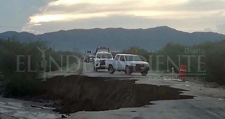 Lluvias afectaron la carretera La Paz- San Juan de Los Planes