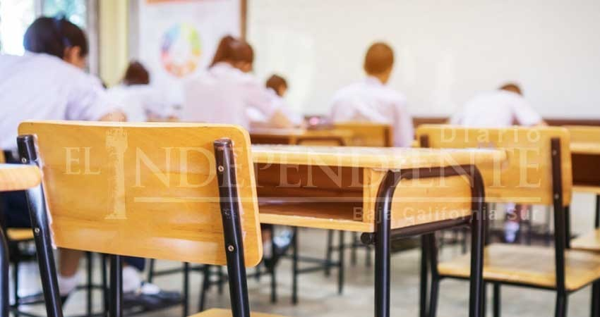 """A 2 meses de iniciar clases, en BCS 1200 estudiantes siguen en """"espera"""" de una escuela"""