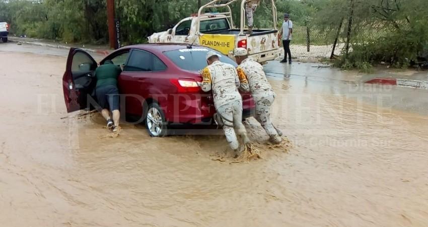 Que no intenten cruzar arroyos; las lluvias se mantendrán