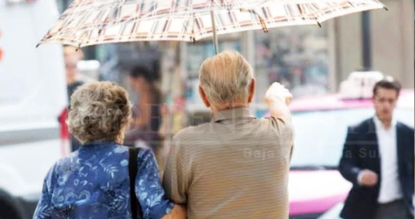 Jubilados seguirán recibiendo pensiones en UMA y no en salarios mínimos: ISSSTE