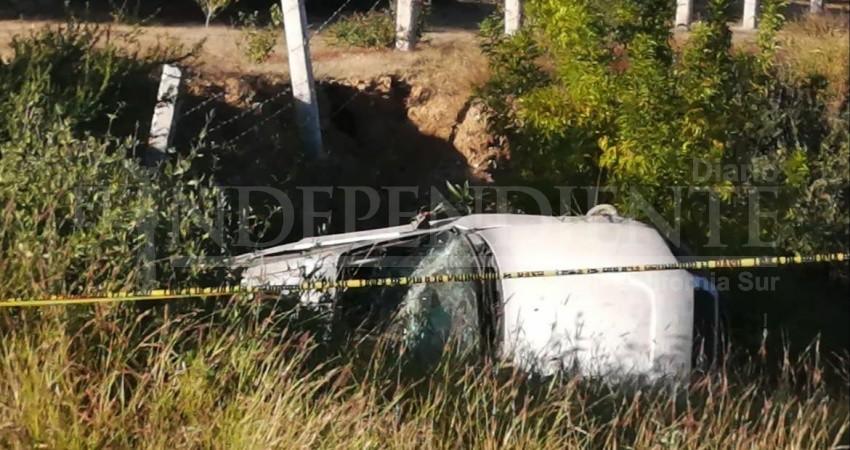 Muere una persona en accidente automovilístico en carretera a Todos Santos