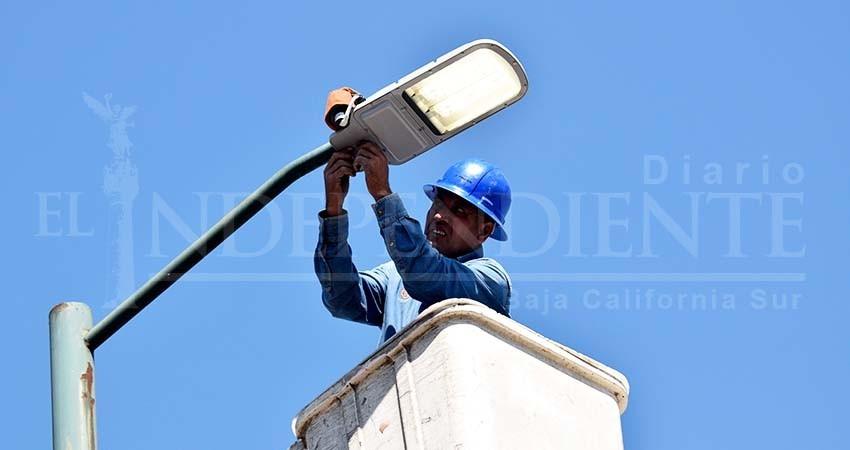 Funciona 90% del alumbrado público en La Paz, asegura Servicios Públicos