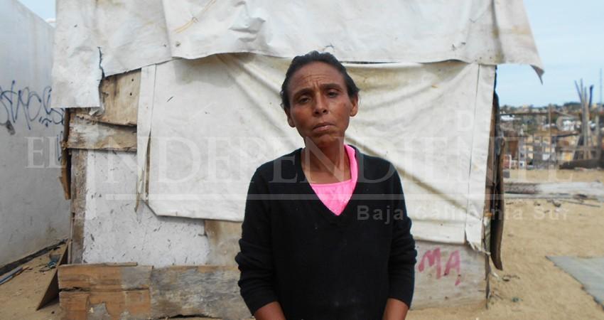 Tener una casa digna o rentar una, es solo un sueño; a veces no hay ni para comer: Rosa María