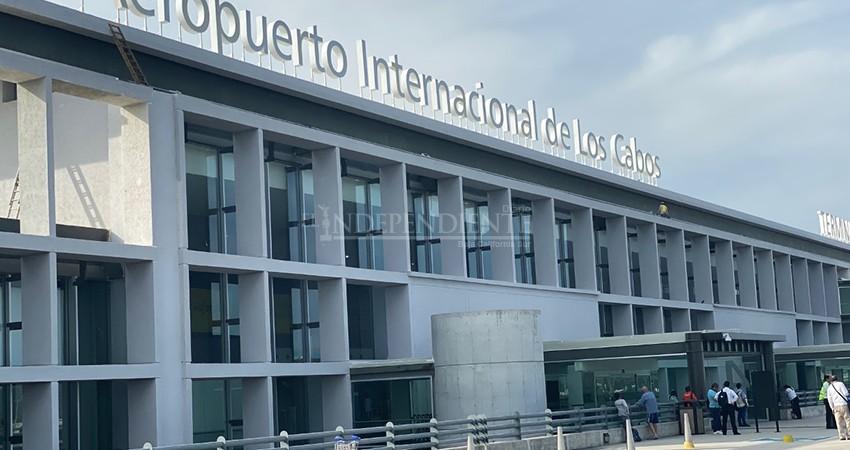 Gobierno de EEUU advierte que viajes internacionales se reanudarán hasta 2021