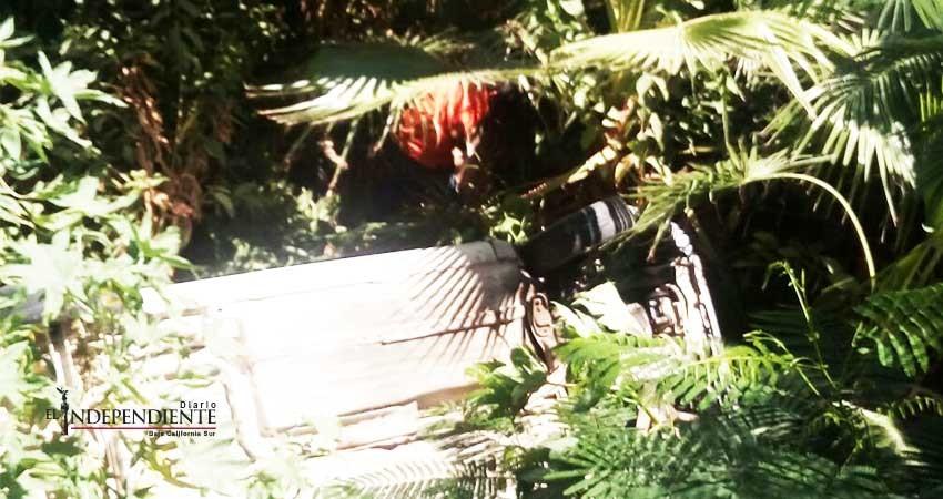 Apuñaló a un hombre y  provocó que este volcara en su vehículo