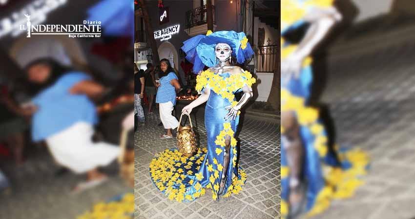 Con bombo y platillo reinician Caminatas del Arte y 1ra edición del festejo de Día de Muertos