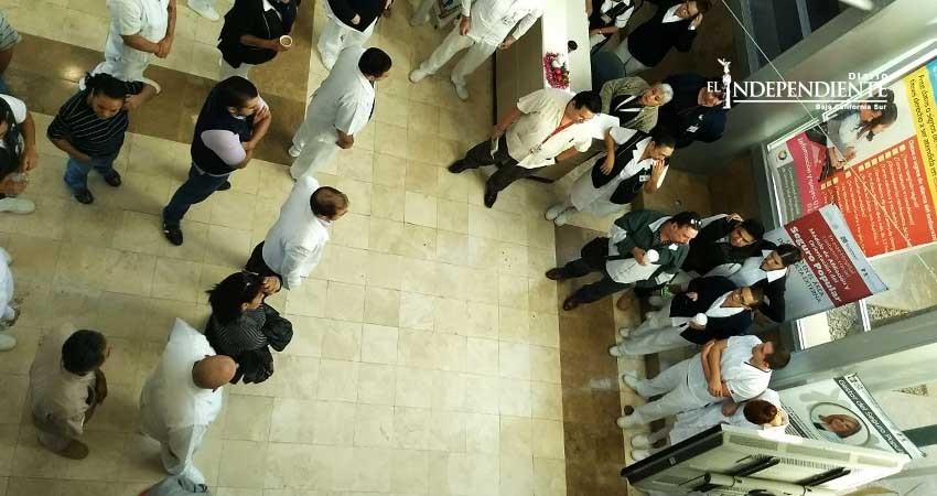 Que heridos de bala sean cuidados en Hospital Militar, pide personal del Salvatierra