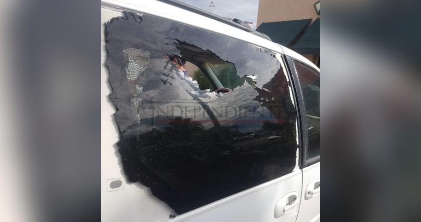 Lanzan piedra a vehículo en la colonia Guaymitas y lesionan a niña de 5 años