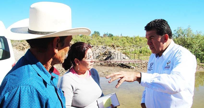 Promete Alcalde de La Paz mantenimiento regular a caminos rurales en La Paz