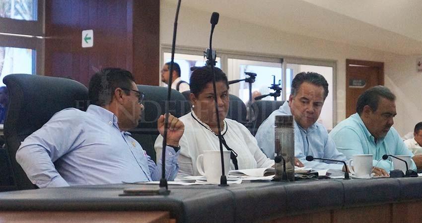 """Diputados de BCS también homenajearon a líder de """"La Luz del Mundo"""""""