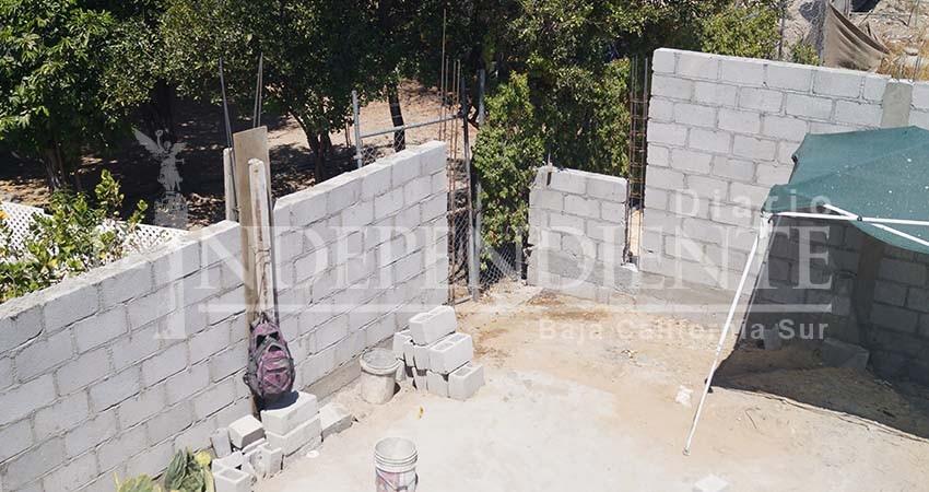 Denuncian complicidad de vecinos con Alcalde de La Paz para quitarle su patio