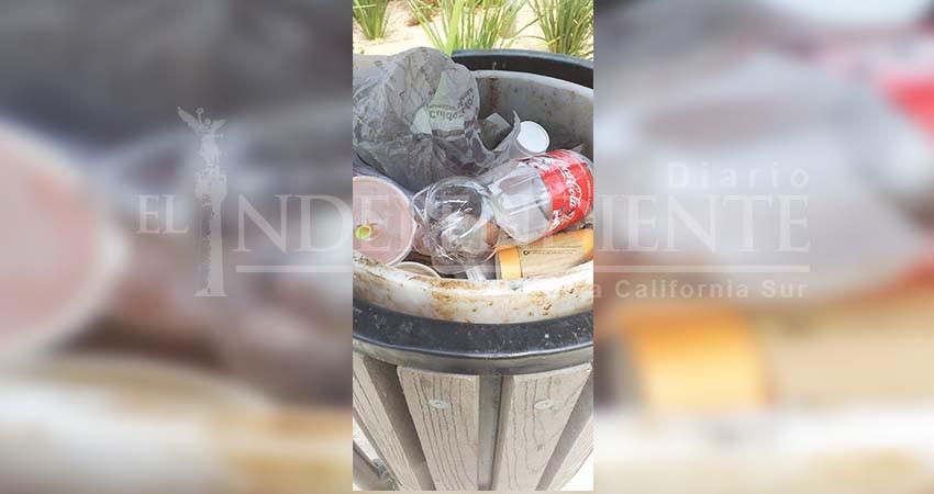 Inconciencia en comerciantes del centro de CSL atasca contenedores de basura