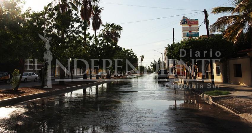 """Baches """"recién nacidos"""", ríos negros y socavones por lluvias en La Paz"""