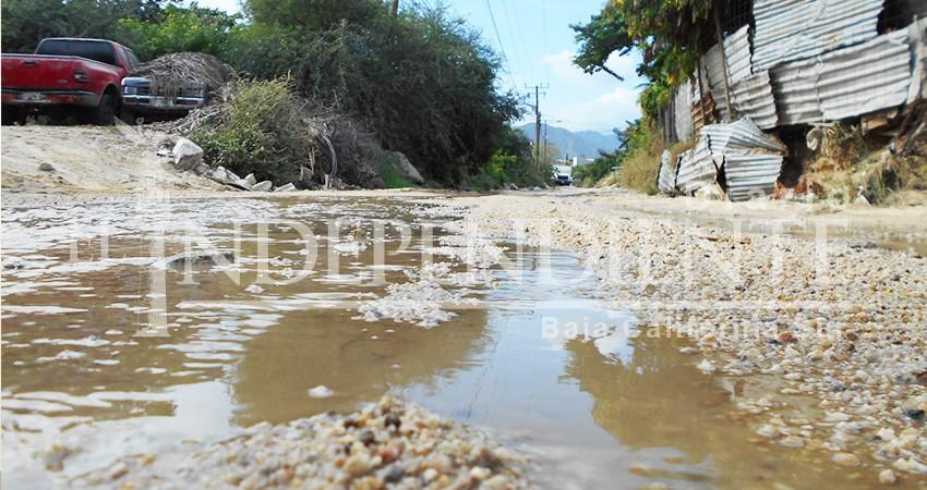 Sin solución problema de fugas de aguas negras; ahora en el vado de Santa Rosa