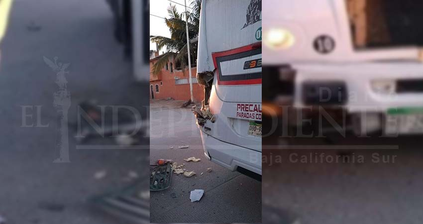 Fuerte accidente entre camiones del transporte público en Los Cabos
