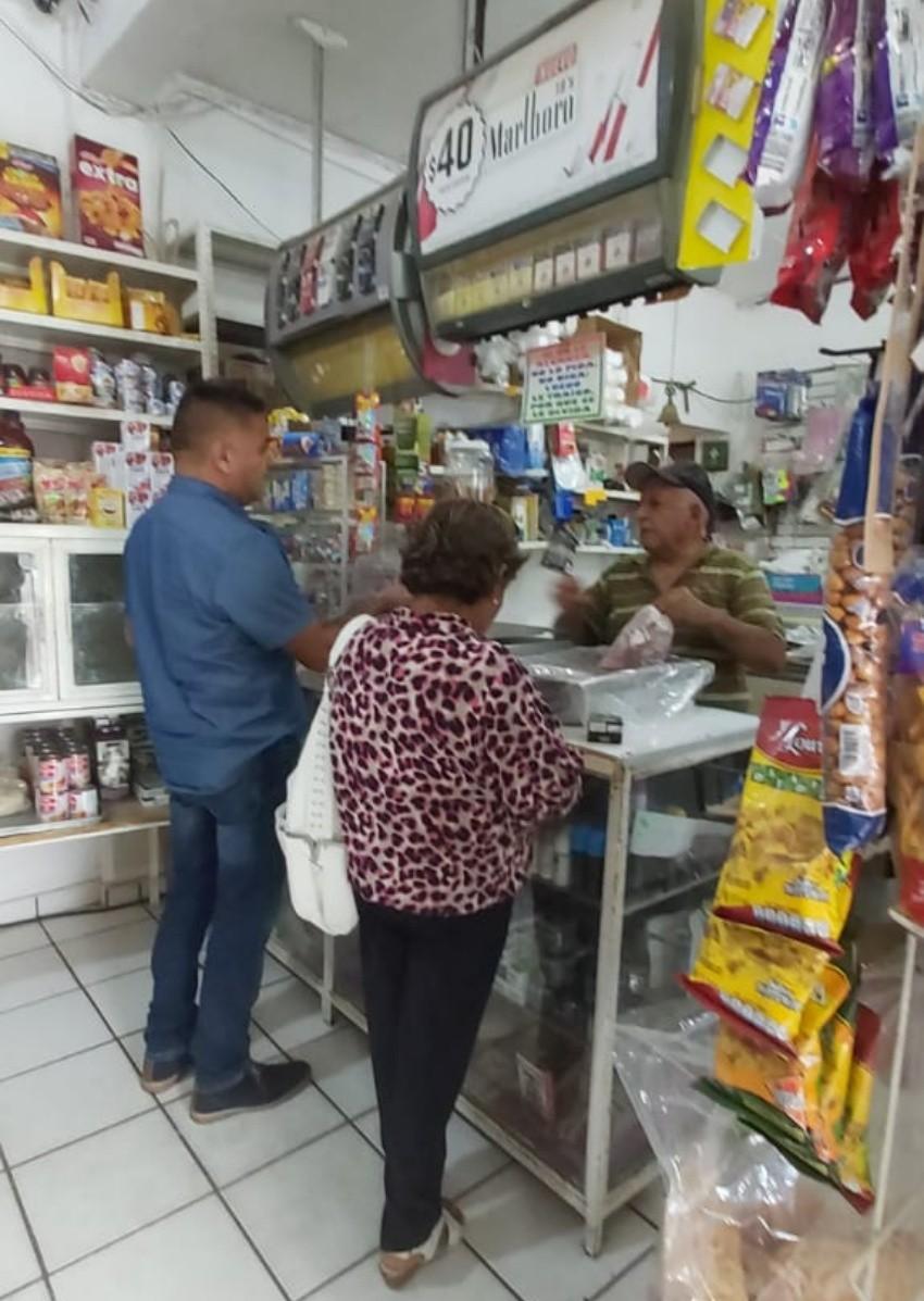 Continúan notificando a comercios de La Paz sobre la desplastificación