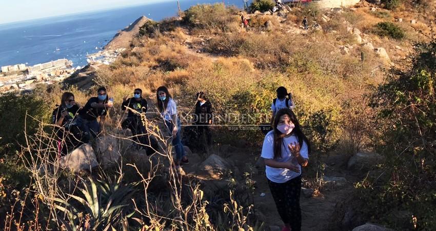 Alzan la voz ciudadanos por condiciones insalubres del Cerro de la Z