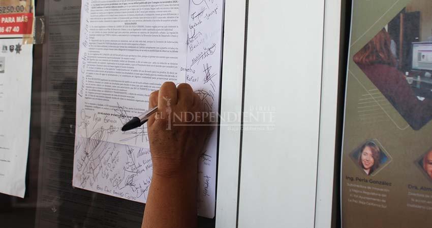 Frente Ciudadano clausura simbólicamente el Ayuntamiento de La Paz por no respetar el PDU