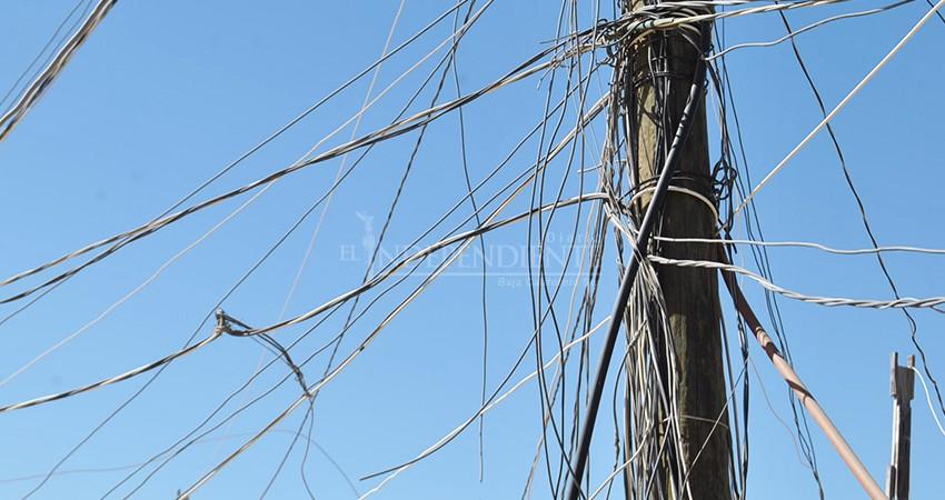 Se saturan tableros comunitarios de energía en La Ballena a causa de conexiones