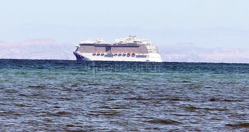 Permisionarios de tiburón ballena se pronuncian contra megacruceros en La Paz