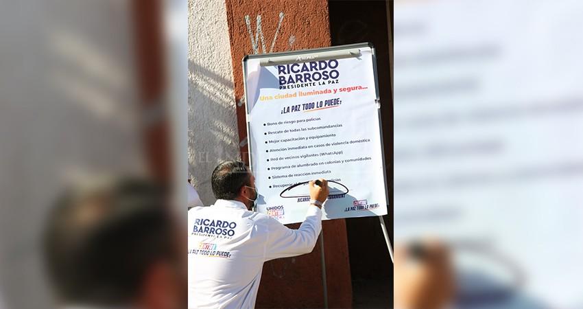 En seguridad compromete Ricardo Barroso iluminación, video vigilancia y recuperar el orgullo de ser policía