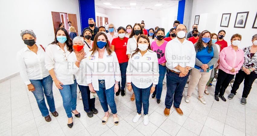 La visita de 10 Senadores respalda el trabajo que hice por BCS: Lupita Saldaña