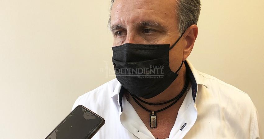 Hoteleros se ven impedidos para adquirir vacunas; los casos de Covid-19 aumentan