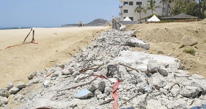 Convoca ciudadanía a sumar esfuerzos para retirar escombro en arroyo de Costa Azul
