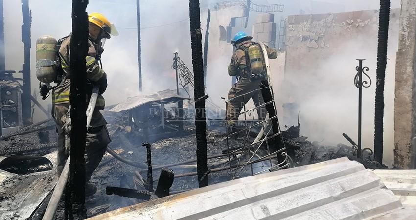 Otro incendio que deja sin hogar a una familia de Cabo San Lucas