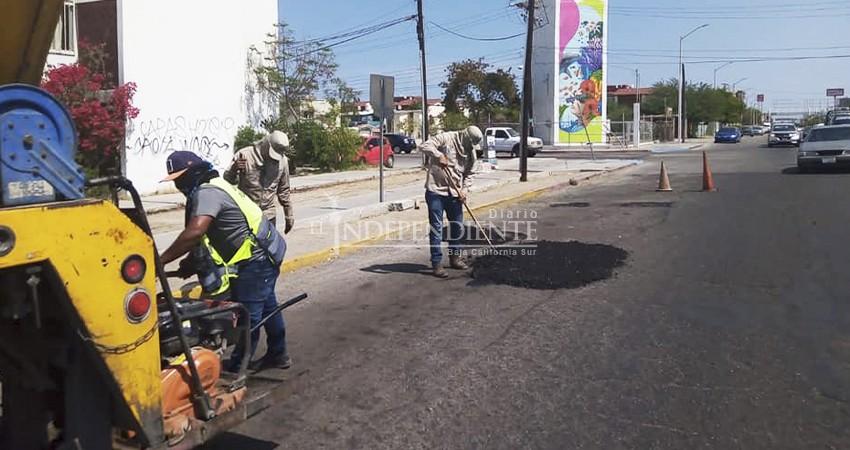 Tercera ola de COVID-19 afecta a recolectores de basura en La Paz