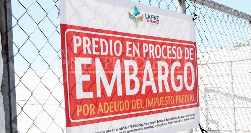 Suspende Ayto La Paz subasta de predios embargados a morosos; Congreso intervendrá
